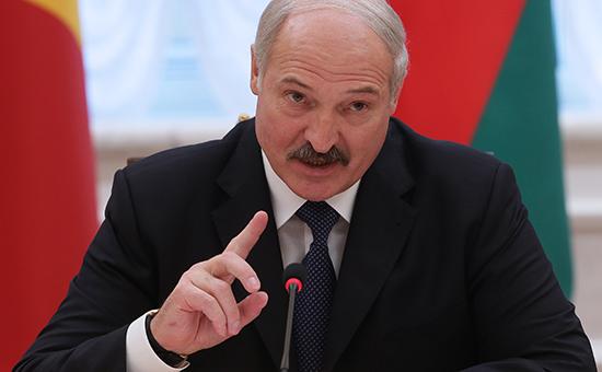 Лукашенко назвал незаконным запрет на поставки продуктов в Россию