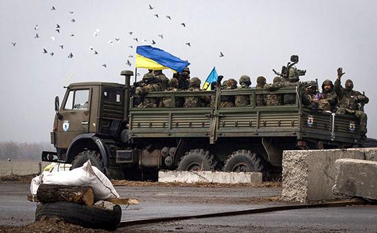 Украинские националисты подорвали два грузовика ВСУ под Авдеевкой
