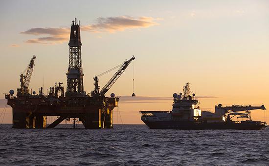 Цена нефти марки Brent упала до $92 впервые за два года
