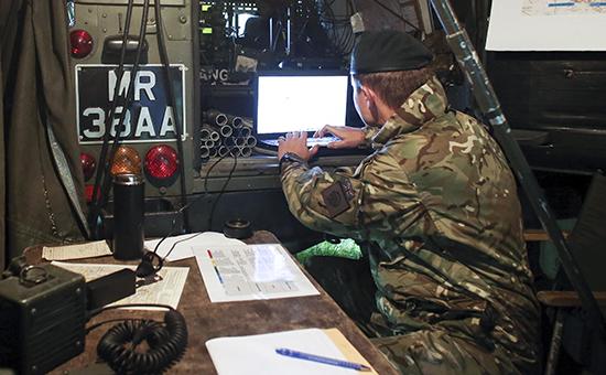 Британские военным запретили смартфоны: боятся российских хакеров