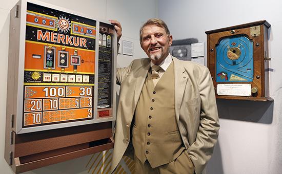 Азов - сити, игровые автоматы теперь вынесены за пределами городов со скольки лет можно играть в игровые автоматы