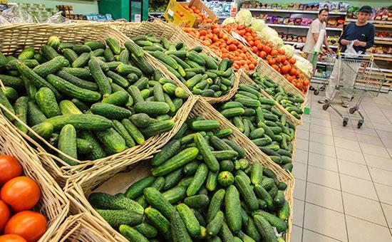 Вслед за мясом в России начали быстро дорожать овощи и фрукты