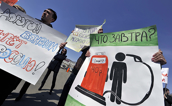 Бензин в России подорожал на фоне падения цен на нефть